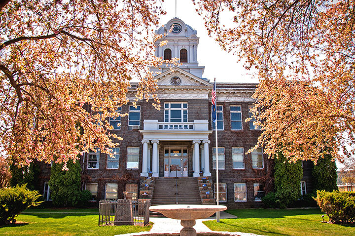 Prineville, OR Courthouse
